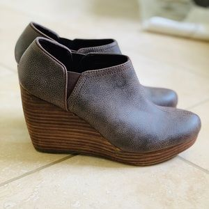 Dr Scholls ankle wedge boots. Size 8.5